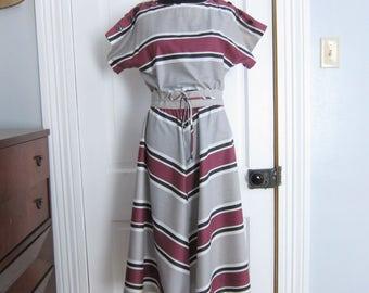 Vintage Dress Size Medium Sally Lou Gray Maroon Diagonal Stripe Flared Skirt Short Sleeve Summer Sun