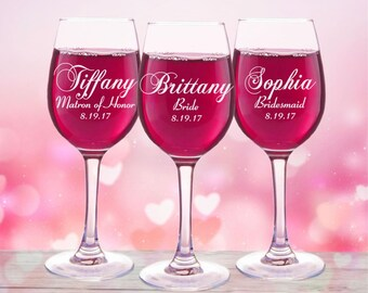 Bridal Party Gift, 14 Personalized Wine Glasses, Wedding Toasting Glasses, Custom Red Wine Glass, Gift for Bridesmaids, 11oz Glasses