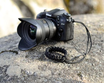 Black Paracord anti-slip camera wrist strap