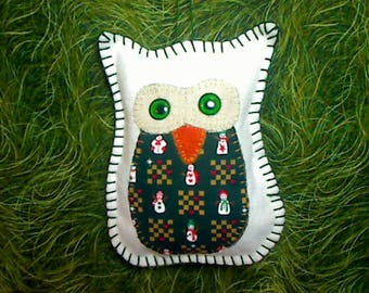 Medium White/Green Owl | Felt Owl Ornament | Holidays |Tree Ornament | Folk Art |Christmas Decor |Handmade Gift | Winter Decor |Snowman |#14