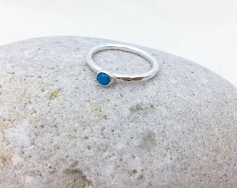 Turquoise stacking ring - silver ring with turquoise stone - silver and turquoise - simple gemstone ring - gemstone ring - hammered ring
