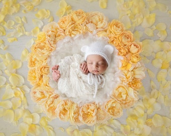 Newborn Photography Digital Backdrop for Girls - Beautiful Yellow Rose Wreath with Loose Rose Petals