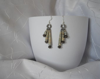 Pearl paper, recycled paper, chic and understated Stud Earrings