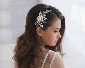 Floral Ivory Bridal Hair Comb Pearl Silver Wedding Headpiece Flower Adornment Bridal Hair Piece Halo Jewelry Wedding Gift Beaded Hair Comb