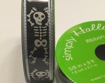 9 feet  roll of black and white skeleton ribbon, 5/8 inches wide (A2)