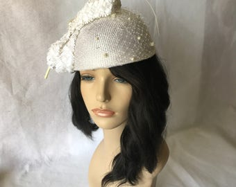 Ivory Ladies Elegant Church hat with Chenille Dot Veil, Large Bow and Long Feather Quill,Bridal  Designer Church hat, Ladies derby Hat