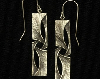 Four Intertwined Gingko Leaves in Sterling Silver