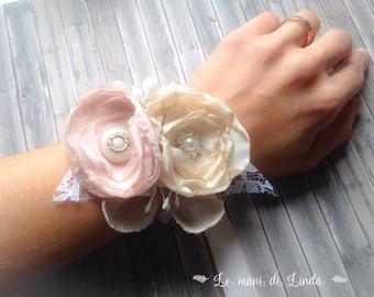 Coursage/cuff/Corsettiera Shabby chic-Romantic pink ivory Ecru