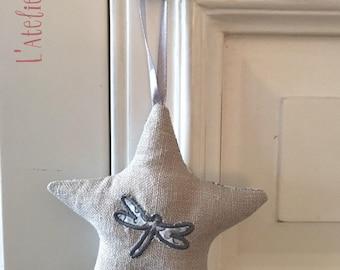 HANGING star linen