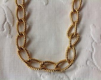 Vintage Gold Tone Monet Chain Necklace Chocker necklace