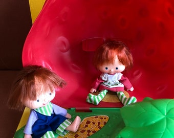 Vintage Strawberry Shortcake Strawberry House Kenner 80s Huckleberry Pie American Greetings