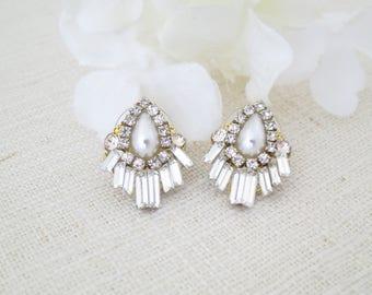 Art Deco wedding earrings, Swarovski rhinestone bridal earrings, Crystal baguette earrings, Pearl teardrop stud, Unique gold post earrings