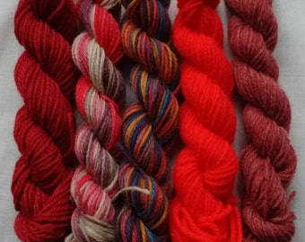 Set of 5x random red/pink mix mini skeins, 4ply, approx 20-25 yds/18-23m, free postage in UK