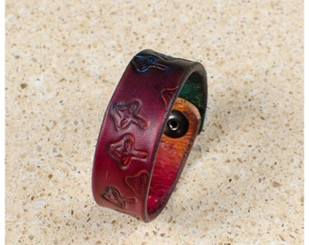 "Happy shroom rainbow leather cuff - 7"" wearable size"