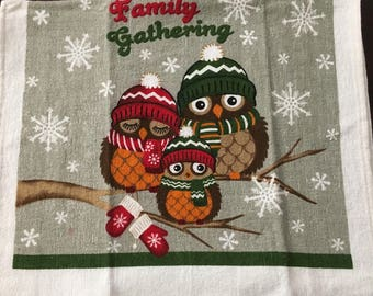 Owls Family Gathering  Crochet Top Towel  (C5)