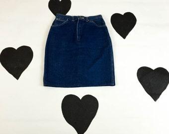 "80's Wrangler dark denim pencil skirt 1980's high waist classic straight skirt / dark blue / jean / high waisted / 26"" waist / pin up / S"