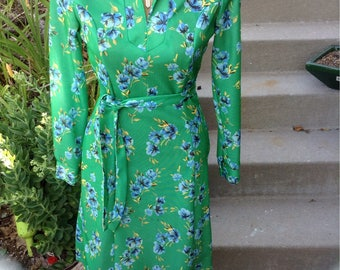 Vintage hipster kitschy 70s Sears ladies green floral print dress size 12 free domestic shipping