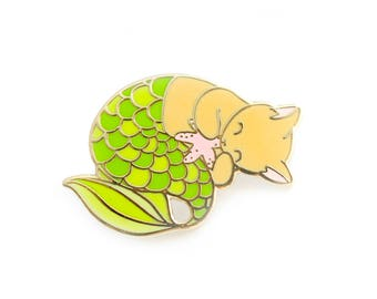 Green purrmaid enamel pin (mermaid cat hard enamel pin lapel pin badge jewelry cute mermaid jewelry orange cat pin cloisonne backpack pins)