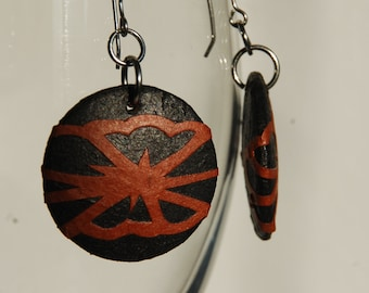 Round Black Hanji Paper Earrings Dangle Black Brown Lotus Leaf Design Hypoallergenic Lightweight Earrings