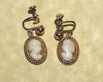Vintage Cameo Necklace and Earring Set. FREE SHIPPING.