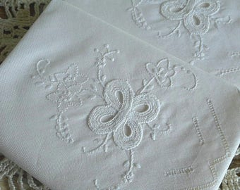"""Vintage Embroidered Handkerchief ~ """"Seward"""" Boxed Set of Two White"""