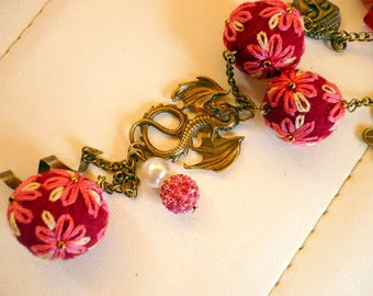 Necklace beads embroidered and felted wool, Burgundy, pink and white, costume jewelry