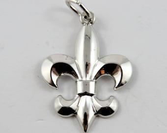 Fleur-de-lis Sterling Silver Charm or Pendant.