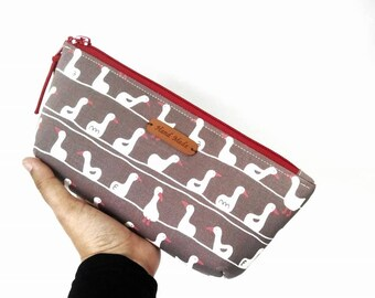 zippered pencil case -  very easy to make. Great project for beginners. 60 minutes project !  Only for USD1.99. Try it!