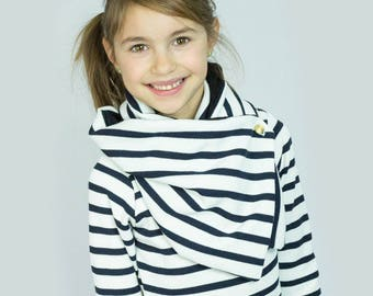 Black and white striped sailor scarf collar