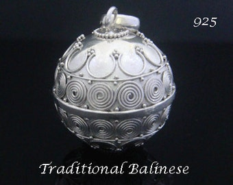 Sterling Silver Harmony Ball with Traditional Balinese Motifs on the 925 Silver Ball | Bola Necklace, Angel Caller, Pregnancy Gift 001