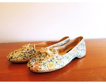 Vintage Floral Embroidered Slippers