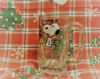 Vintage Snoopy It Never Fails Mug 1967 Snoopy and Woodstock Vintage Snoopy Collectible Drinking Glass
