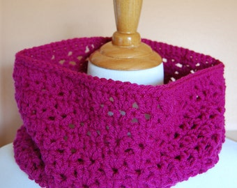 Magenta bright pink lace crochet cowl