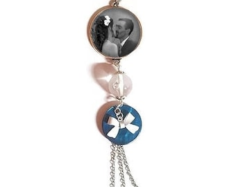 To personalize: 25 mm glass cabochon necklace