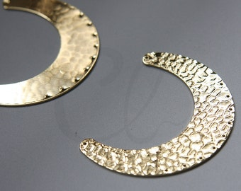 One Piece Premium Gold Plated Brass Base Hammered Crescent Link - Geometry - 61x45mm (3081C-N-137)