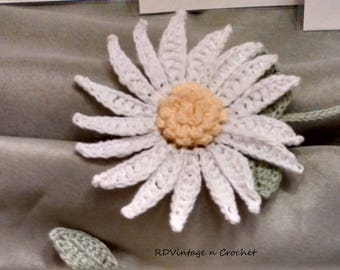 Crochet flower bookmark, daisy bookmark, car mirror décor.