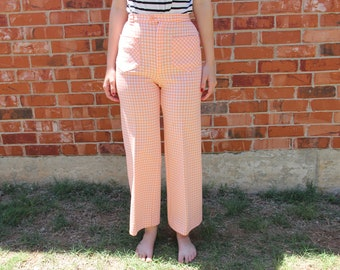 "Vintage 1970s ""Jack Winter"" Peach (Baby Pink / Orange) and White Checker Print Flare Leg Pants Size 10 (26 inch waist)"