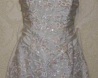 2 piece SHORT GUNNE SAX Wedding Dress with Facinator Birdcage Veil Jessica McClintock wedding dress