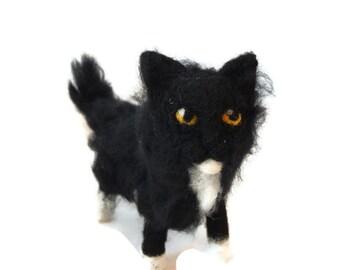 Schwarz und weiß Katze Ornament, benutzerdefinierte Kätzchen Skulptur, Smoking Katze Kunst. Halloween Katze Figur bestellen - kleine Größe