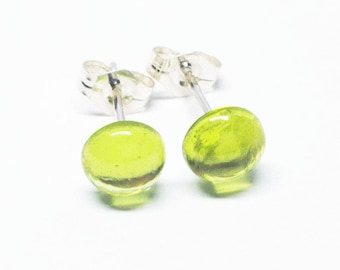 Peridot Gemstone . SMALL 6mm Smooth Domed Round . Sterling Silver Posts Studs Earrings . Lime Green Earrings . Free Shipping . E16175