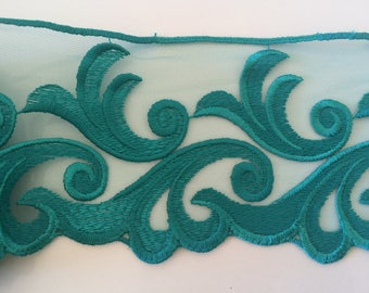 Embroidered on high quality 10 cm wide tulle lace