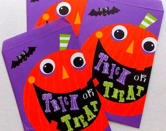 Trick or Treat Paper Bags / Party Favor / Halloween Decor
