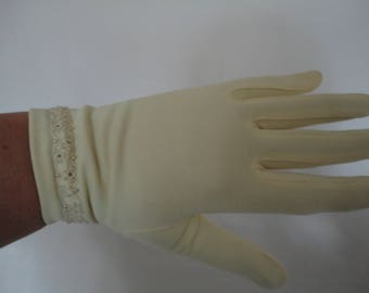 Vintage Pale Yellow/Lemon Nylon Wrist Gloves with Embroidered, Seed Bead & Pearl Cuff Detail  - 1950s - Size 6.5 to 7 - Ideal Wedding/Prom