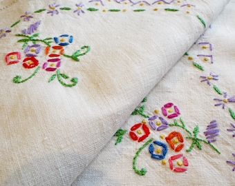 Vintage linen tray cloth or tablecloth with very pretty hand embroidery flowers. 1950s English linen tea tray cloth. Ideal Mother's Day gift