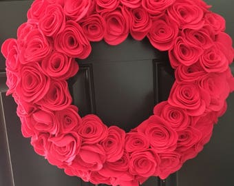 "16"" pink rose wreath"