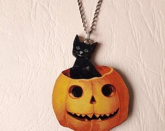 Pendant wood black cat in a pumpkin ♥ ♥