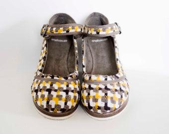 90's does 60's checkered wedge heel platform sandals