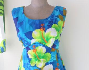1970s Hawaiian Dream Dress...kawaii. mod. dreamy. maxi dress. 70s dress. sleeveless. green. blue. vintage hawaiian dress. kimono. kitsch