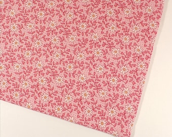 Daisy fabric, Pink, Small print, Pink flowers, Quilting, 3/4 YARD, Cotton, Daisies, Sewing