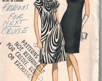 1960s Vogue 7167 Retro Mod Dress Sewing Pattern Vintage Size 16